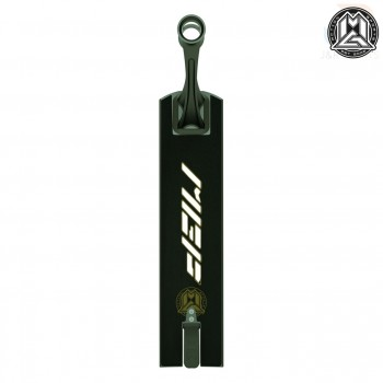 MGP VX9 Pendulum Complete - Black/Gold Deck